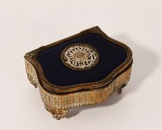 Caixa de Jóias em bronze e porcelana