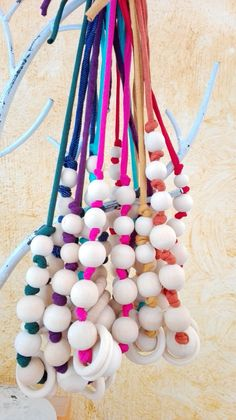 collares de lactancia con bolas de madera natural sin tratar sobre cordón de trapillo en un montón de colores. Diy Sac, Diy Vetement, Teething Necklace, Diy Fashion, Opportunity, Jewlery, Necklaces, Crafts, Beading