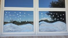 Love this idea! Painting your windows using tempera paint. She did a snow theme, but you could do flowers, leaves, hand prints... possibilities are endless!