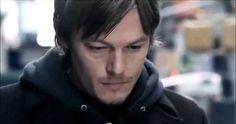 #wattpad #de-todo -Si no salimos con vida... Daryl: Estaremos bien... -Déjame terminar... si no salimos con vida, quiero que sepas que... te amo. Daryl: Y yo a ti, nena... no dejare que nada les pase.  Olivia es una joven de 21 años que se ve obligada a sobrevivir en un mundo donde los muertos vuelven a la vida junt...