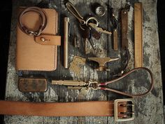 Brass / hollows leather
