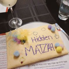My DIY afikomen bag made its glorious return to the Seder table after an almost 30-year absence  #passover #seder #matzah #jewfood #afikomen