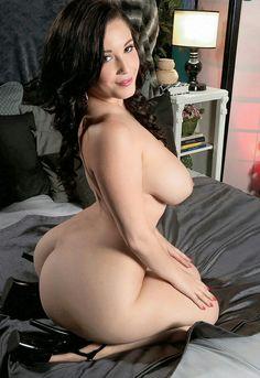 Busty blonde naked ass