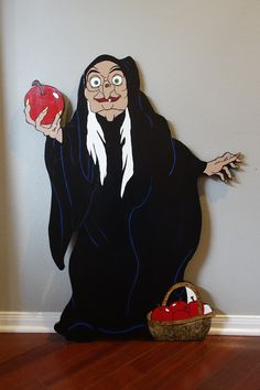 Excited to share this item from my shop: Halloween Yard Art- Snow White Witch Halloween Yard Art, Halloween 2020, Halloween Crafts, Halloween Party, Halloween Decorations, Halloween Ideas, Lawn Decorations, Snow White Witch, Snow White Characters