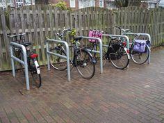 Falco levert regelmatig producten aan Verenigingen van Eigenaren (VVE). Aan een VVE in Enschede leverde Falco fietsaanleunbeugels. Bicycle, Bike, Bicycle Kick, Bicycles