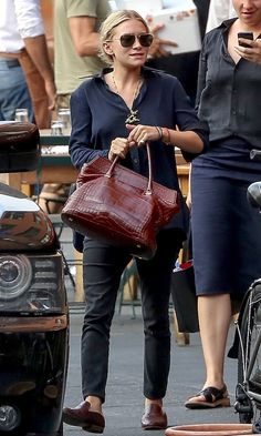 Olsens Anonymous Blog Style Fashion Ashley Olsen Twins Sophisticated Casual Outfit Button Down The Row Croc Bag Pants Mules
