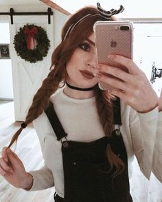 Not ready to take down all the Christmas decorations :'( 🎄🎅🏽☃️❄️🎁 Best Friend Couples, Danielle Victoria, Goth Glam, Lily Evans, My Pool, Auburn Hair, Beautiful Redhead, Aesthetic Photo, Ginger Hair