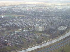 Hoogeveen Zuid. Hoge flat in het midden is de Arend. Gewoond op de 9e verdieping begin jaren '70