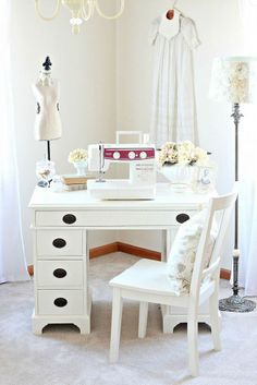 DIY:: Just Over $20 Gorgeous Under an Hour Goodwill Desk Makeover