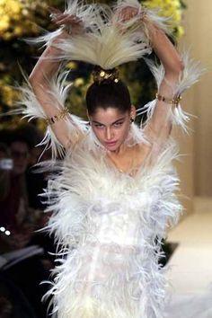 2000 - YSL show - Laetitia Casta wedding dress in birds of paradise feathers