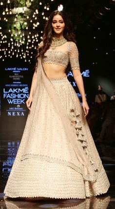 Ananya Panday displays a gorgeous designer lehenga at one of the LFW 2019 events. Indian Bridal Outfits, Indian Bridal Fashion, Indian Designer Outfits, Mehendi Outfits, Indian Lehenga, Red Lehenga, Bollywood Lehenga, Bridal Lehenga, Lehenga Choli