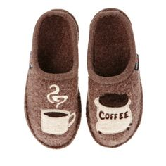Slippers-Yes please! Hello? anyone? Christmas?