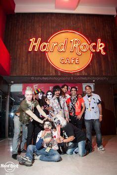 A Spooktacular family ;)  [Hard Rock Café New Delhi]