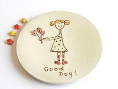 Anello in ceramica piatto buona giornata piastra ragazza bionda con fiore pois OOAK portacandele