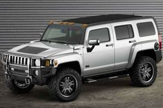 Hummer Hummer is a SUV/Sport Utility Truck from General Motors' Hummer division produced from 2005 to Hummer H3, Hummer Truck, General Motors, Used Engines, Engines For Sale, Us Cars, Sport Cars, My Dream Car, Dream Cars