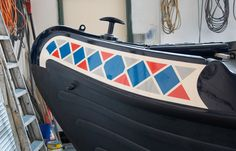 The painting of the boat is now complete and it's looking great. We came up with an initial design and although it was a little bit different, it looks fantastic. It is the first time we have used Carl at Customised Sign writing but we are more than Canal Boat Art, Boat Crafts, Narrow Boat, Harlequin Pattern, Signwriting, Gypsy Caravan, Boat Interior, Boat Painting, Houseboats