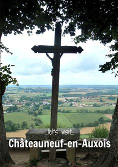 Visible for several kilometres on a long-distance walk along the Burgundy Canal, Châteauneuf-en-Auxois becomes increasing difficult to ignore. So, let's take a detour and explore a little more.