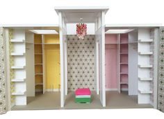 Is your Barbie missing out on a life in the Dream House and an endless walk in closet? Kids Doll House, Dolls House Shop, Doll House Crafts, Doll House Plans, Doll Home, Barbie Room, Barbie Doll House, Barbie Dream House, Barbie Furniture Tutorial