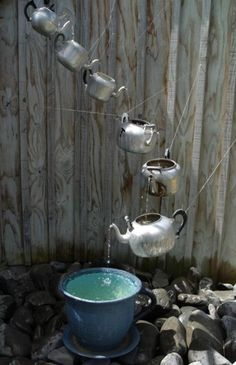 Teapot Fountain - pretty clevah, and I like it!