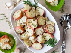 Herb-roasted-potatoes_by Gina Moore.png