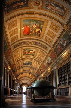 Galeria de Diane, Chateau Fontainebleau, France