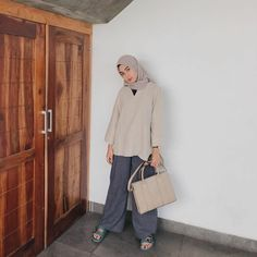 Ootd Hijab, Hijab Chic, Hijab Outfit, Hijab Fashion Summer, Muslim, Casual Ootd, Normcore, Outfits, Sandals