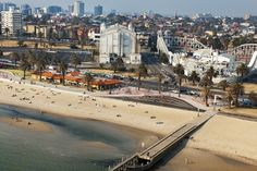 Aerial_view_of_St_Kilda_Foreshore_Promenade.jpg (800×534)