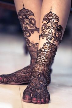 Explore latest Mehndi Designs images in 2019 on Happy Shappy. Mehendi design is also known as the heena design or henna patterns worldwide. We are here with the best mehndi designs images from worldwide. Dulhan Mehndi Designs, Mehandi Designs, Mehendi, Leg Mehndi, Legs Mehndi Design, Mehndi Design Photos, Wedding Mehndi Designs, Unique Mehndi Designs, Beautiful Henna Designs