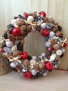 unique christmas wreaths with ornaments and beads Christmas Advent Wreath, Handmade Christmas Decorations, Holiday Wreaths, Xmas Decorations, Winter Christmas, Holiday Decor, Deco Table Noel, Boxing Day, Homemade Christmas