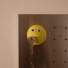 Tennisball Halter Gadgets, Halter, Door Handles, Life Hacks, Upcycle, Blog, Toys, Austria, Decor