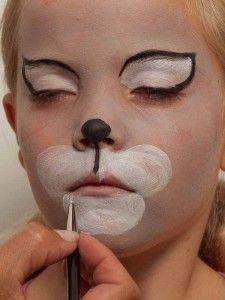 dieses katzen kost m besitzt auch ein einzigartiges make up schminken pinterest kost m. Black Bedroom Furniture Sets. Home Design Ideas
