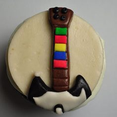 The geekiest cupcakes you will ever see! Guitar Cupcakes, Video Game Cakes, Smosh, Cakes For Men, Birthday Fun, Cupcake Toppers, Birthday Candles, Birthdays, Valentines
