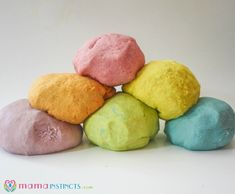 Does your kid like to taste store bought play dough? Try this play dough recipe. It's safe, non-toxic, easy to make and uses ingredients you have at home.