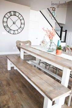 DIY Farmhouse Dining Table and Bench via honeybearlane - more DIY farmhouse furniture plans and crafts this way! DIY Farmhouse Dining Table and Bench via honeybearlane - more DIY farmhouse furniture plans and crafts this way! Kitchen Table Bench, Farmhouse Dining Room Table, Dining Table With Bench, Kitchen Decor, Diy Table, Kitchen Ideas, Rustic Kitchen Tables, Small Rectangle Kitchen Table, Outdoor Dining Tables