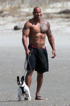 Dwayne Johnson Takes a Stroll on the Beach With His Girlfriend and Dog Pin for Later: Puppy Love! Dwayne Johnson Takes a Stroll on the Beach With His Girlfriend and Dog Dwayne Johnson Body, Dwayne Johnson Daughter, Dwayne Johnson Girlfriend, Dwayne Johnson Quotes, Dwayne Jonson, Lauren Hashian, Man Beast, French Bulldog Puppies, French Bulldogs