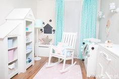 DOM.PL™ - Pastelowy pokój dziewczynki. Pomysł na pokój dla niemowlaka