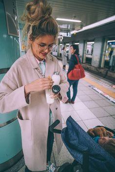 Barefoot Blonde Amber Fillerup in Tokyo, Japan Kids Fever, Baby Fever, Japan Time, Tokyo Japan, Family Over Everything, Amber Fillerup Clark, Anna, Barefoot Blonde, Leave Early