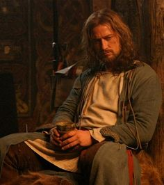 Gerard Butler in Beowulf and Grendel. Diana Gabaldon Outlander Series, Outlander Book, Writing Inspiration, Character Inspiration, Queen Of The Tearling, Gerard Butler Movies, Beowulf, Story Characters, Fantasy Characters