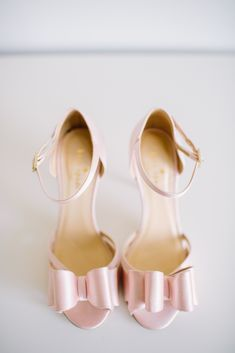 Kate Spade Blush Bridal Heels with Bows | Angela Newton Roy Photography https://www.theknot.com/marketplace/angela-newton-roy-photography-new-york-ny-543702