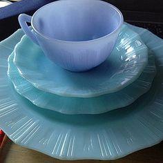 Pyrex Delphite tea cup and Pyrex robins egg blue plates