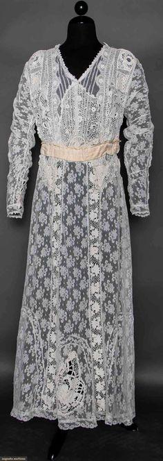 IRISH LACE TEA GOWN, c. 1912 1-piece dress of Irish crochet & Val laces, F V-neck, long sleeves, beige silk sash