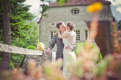 ©Eve-Hilaire-Photographies - mariage en jaune et rose - La mariee aux pieds nus - Orangerie de Talmay / Lieu de reception / mariage