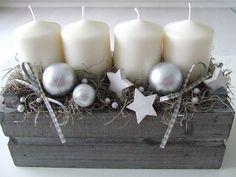 Květinářka Rózi Christmas Hacks, Christmas Mood, Handmade Christmas Decorations, Christmas Centerpieces, Diy And Crafts, Christmas Crafts, Christmas Ornaments, Dried Flower Arrangements, Handmade Home