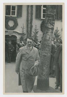 Hitler bezocht het Schillerhaus en verbleef een tijdlang in de werkkamer van Schiller Friedrich Von Schiller, House, Painting, Home, Painting Art, Paintings, Painted Canvas, Homes, Drawings