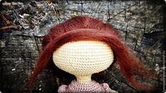 Вяжем куколку в винтажной шляпке в технике амигуруми – мастер-класс для начинающих и профессионалов Crochet Doll Pattern, Crochet Motif, Crochet Dolls, Crochet Hats, Crochet Organizer, Knitting, Crafts, Scrapbooking, Amigurumi Doll