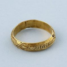 """Gold poesy ring c.1450 - Norman French inscription - """"Hold fast, hold true"""""""