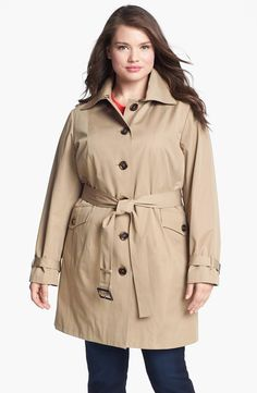 Timeless styling and practical weather protection bring everyday appeal to a single-breasted trench with a hood and midweight liner, both with button-off versatility.