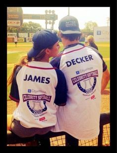 Jessie and Eric. Couples jersey :) Soo want to do this for me and hubby but have it say 20 and 12 (year we got married) soo cute. Eric And Jessie Decker, Jesse James Decker, Eric & Jessie, Eric Decker, Cute Couples Photos, Hot Couples, Celebrity Couples, Sports Couples, Adorable Couples