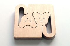 Medio creates handmade wooden puzzles of animals for kids - find them on Etsy.