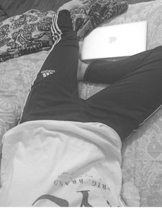 | I love lazy days | Couple Hands, Boys Dpz, Aesthetic Boy, Instagram Story Ideas, Photos Tumblr, Jiyong, Mens Fashion Suits, Picture Poses, Stylish Men